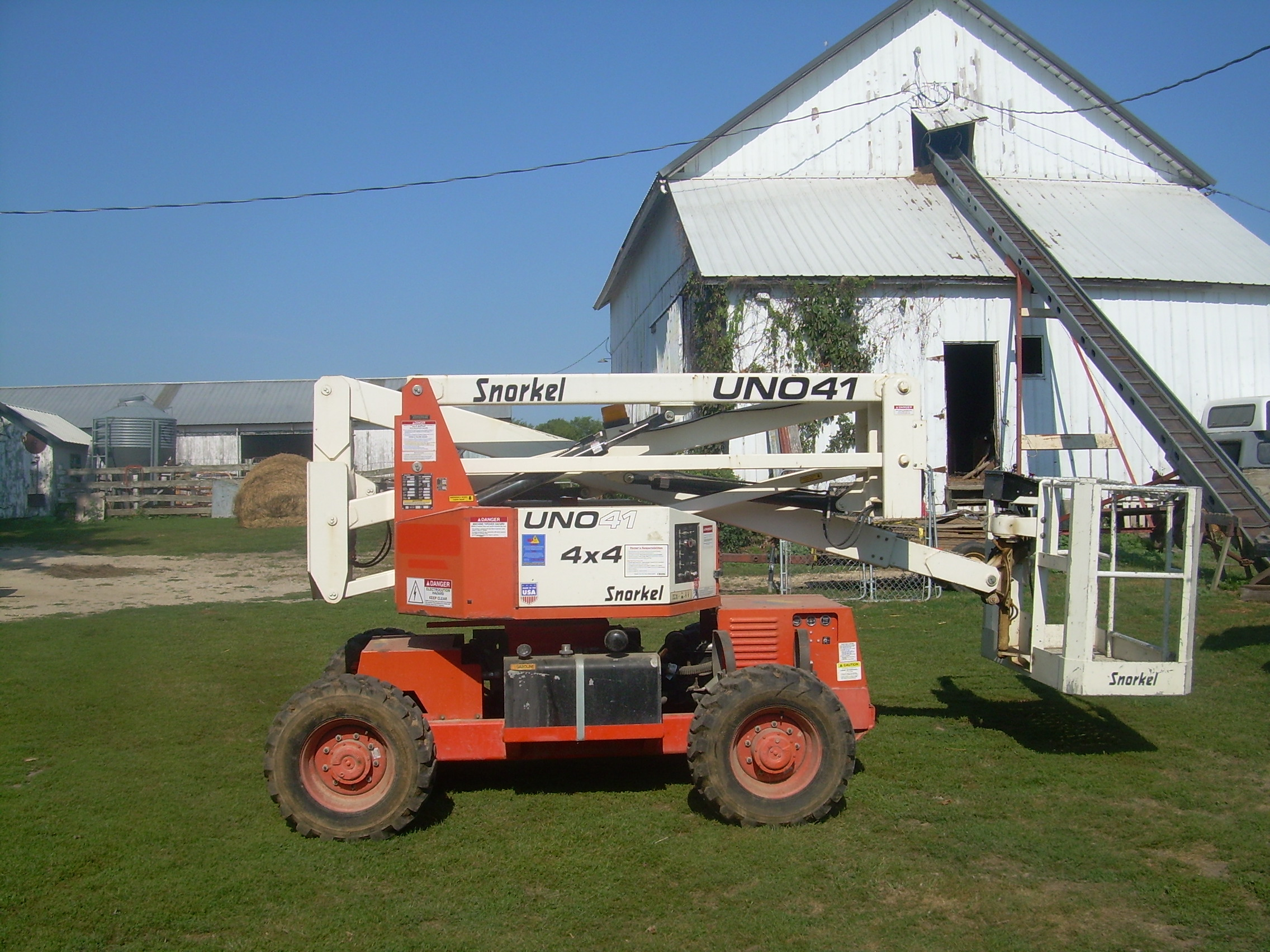 For Rent: 41 ft Aerial lift with 60 inch man basket